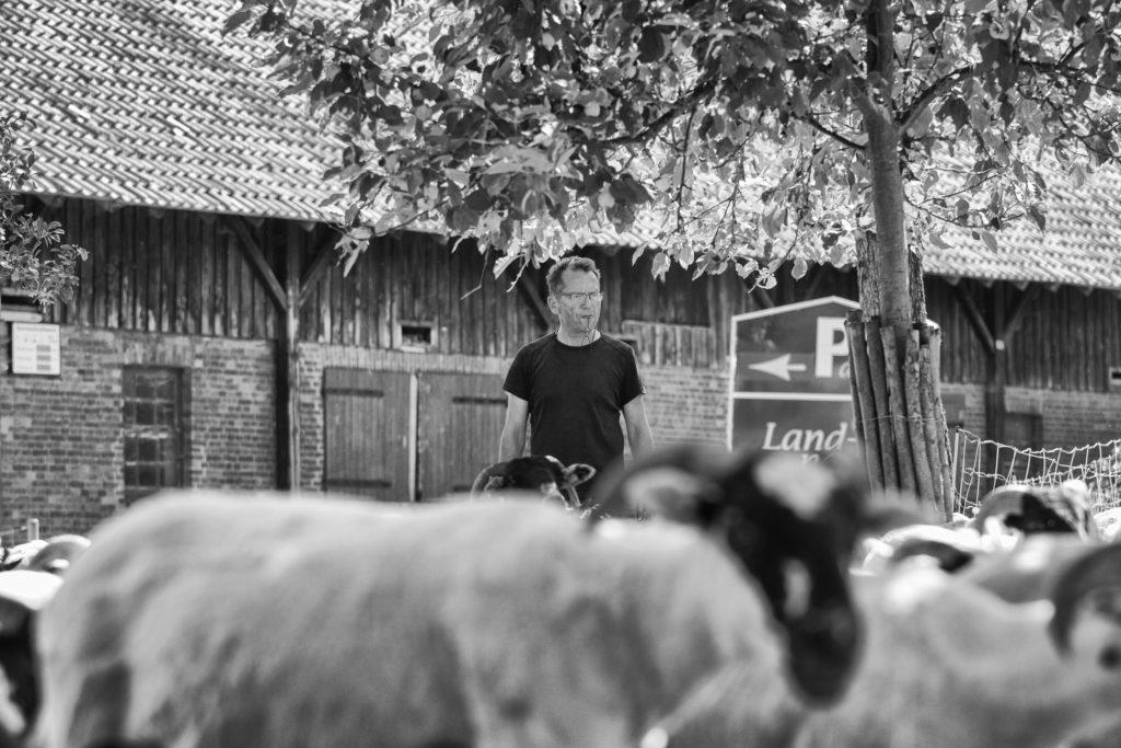 Der Autor /Hardi P.Schaarschmidt /Tiergefährten /BucherscheinungⒸ Jasemin Be