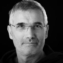 Lektor Dr. Bernd Flossmann /Tiergefährten /Bucherscheinung /von Hunden, Schafen und Individualisten